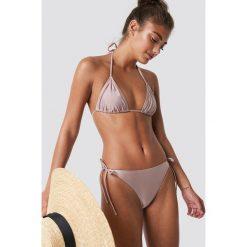 NA-KD Swimwear Góra bikini Shiny Triangle - Pink. Różowe bikini damskie NA-KD Swimwear. Za 40.95 zł.