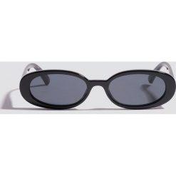 Le Specs Okulary przeciwsłoneczne Outta Love - Black. Czarne okulary przeciwsłoneczne damskie Le Specs. Za 222.95 zł.