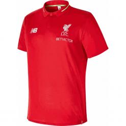 Koszulka Polo Liverpool F.C - MT831043RCR. Czerwone koszulki polo męskie New Balance, z haftami, z materiału. Za 249.99 zł.