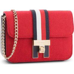 Torebka TOMMY HILFIGER - Th Heritage Mini Xov AW0AW05834 614. Czerwone torebki do ręki damskie Tommy Hilfiger, z materiału. Za 549.00 zł.