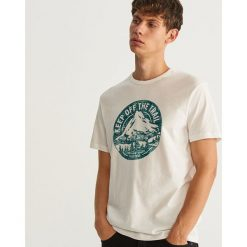 T-shirt z nadrukiem - Kremowy. Białe t-shirty męskie Reserved, z nadrukiem. Za 49.99 zł.