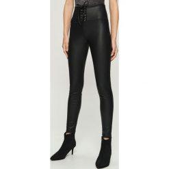 Spodnie z gorsetowym wiązaniem - Czarny. Czarne spodnie materiałowe damskie Sinsay. Za 69.99 zł.