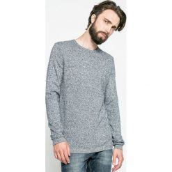 Tom Tailor Denim - Sweter. Szare swetry przez głowę męskie Tom Tailor Denim, z bawełny, z okrągłym kołnierzem. W wyprzedaży za 79.90 zł.