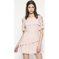 Answear - Sukienka. Szare sukienki damskie ANSWEAR, z materiału, casualowe, z okrągłym kołnierzem. W wyprzedaży za 69.90 zł.