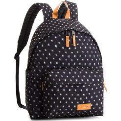 Plecak EASTPAK - Padded Pak'r EK620 Check Bleach 80T. Czarne plecaki damskie Eastpak, z materiału, sportowe. Za 259.00 zł.