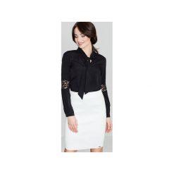 Bluzka K325 Czarny. Czarne bluzki damskie Lenitif, w koronkowe wzory, z koronki, klasyczne, z dekoltem w serek. Za 109.00 zł.