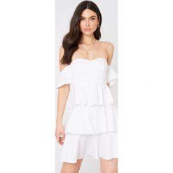 3e52205ae1 NA-KD Boho Sukienka mini z odkrytymi ramionami - White. Sukienki damskie  marki NA