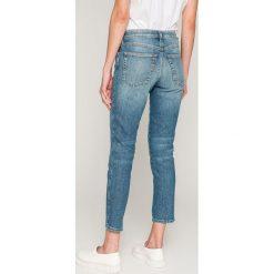 Diesel - Jeansy Babhila. Niebieskie jeansy damskie Diesel. W wyprzedaży za 599.90 zł.