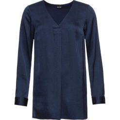 Bluzka satynowa: MUST HAVE bonprix ciemnoniebieski. Niebieskie bluzki damskie bonprix, z satyny, z dekoltem w serek, z długim rękawem. Za 89.99 zł.