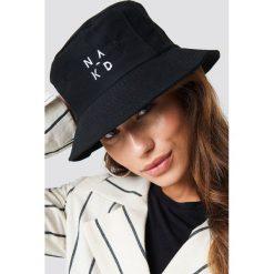 NA-KD Accessories Czapka NA-KD Logo - Black. Czarne czapki i kapelusze damskie NA-KD Accessories. W wyprzedaży za 56.67 zł.