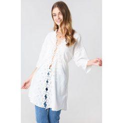 Free People Rozpinana koszula To The Moon - White. Białe koszule damskie Free People, z haftami. W wyprzedaży za 230.99 zł.