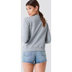 NA-KD Bluza Cherry - Grey. Szare bluzy damskie NA-KD, z nadrukiem. W wyprzedaży za 70.67 zł.