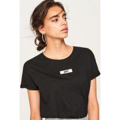 T-shirt z nadrukiem - Czarny. Czarne t-shirty damskie Reserved, z nadrukiem. Za 19.99 zł.