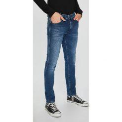 Wrangler - Jeansy Larston. Niebieskie jeansy męskie Wrangler. Za 369.90 zł.