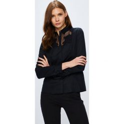 Guess Jeans - Koszula. Czarne koszule damskie Guess Jeans, z aplikacjami, z bawełny, eleganckie, z klasycznym kołnierzykiem, z długim rękawem. Za 399.90 zł.