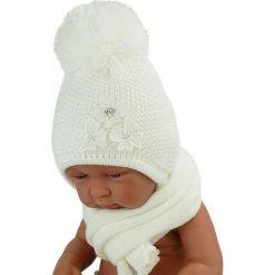 Czapka niemowlęca z szalikiem CZ+S 004A biała. Czapki dla dzieci marki Reserved. Za 40.78 zł.