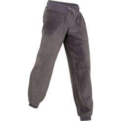 Spodnie z miękkiego polaru, długie, Level 1 bonprix szaro-matowy srebrny. Szare spodnie sportowe damskie bonprix, z polaru. Za 89.99 zł.