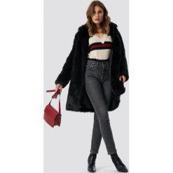 NA-KD Trend Kurtka ze sztucznego futra - Black. Czarne kurtki damskie NA-KD Trend, z futra. Za 526.95 zł.