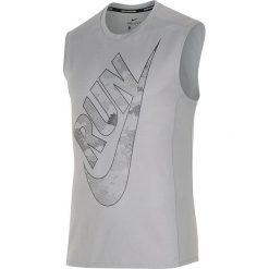 """Koszulka """"Miler"""" w kolorze szarym do biegania. Bokserki męskie Nike Men, z materiału. W wyprzedaży za 87.95 zł."""