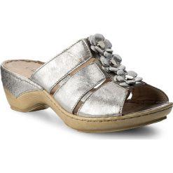 Klapki CAPRICE - 9-27206-20 Silver Metal 920. Szare klapki damskie Caprice, ze skóry. W wyprzedaży za 189.00 zł.