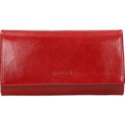 Portfel damski LAZIO. Czerwone portfele damskie Gino Rossi, ze skóry. W wyprzedaży za 219.90 zł.