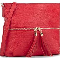 Torebka CREOLE - K10198 Czerwony. Czerwone listonoszki damskie Creole, ze skóry. W wyprzedaży za 159.00 zł.