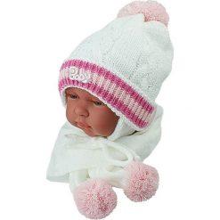 Czapka niemowlęca z szalikiem CZ+S 002D biała. Czapki dla dzieci marki Reserved. Za 38.76 zł.