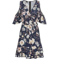 Sukienka z odkrytymi ramionami bonprix ciemnoniebieski z nadrukiem. Niebieskie sukienki damskie bonprix, z nadrukiem, z dżerseju, z kopertowym dekoltem. Za 119.99 zł.