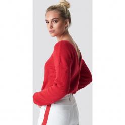 NA-KD Sweter z dzianiny z dekoltem V - Red. Czerwone swetry damskie NA-KD, z dzianiny. Za 121.95 zł.