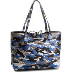 Torebka GUESS - HWCM64 2215 BCB. Czarne torebki do ręki damskie Guess, ze skóry ekologicznej. W wyprzedaży za 419.00 zł.
