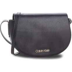Torebka CALVIN KLEIN - Frame Med Saddle Bag K60K604451 001. Czarne listonoszki damskie Calvin Klein, ze skóry ekologicznej. Za 449.00 zł.