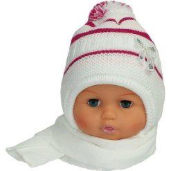 Czapka niemowlęca z szalikiem CZ+S 154A biała. Czapki dla dzieci marki Reserved. Za 38.76 zł.