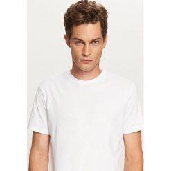 Gładki T-shirt Basic - Biały. T-shirty męskie marki Giacomo Conti. W wyprzedaży za 14.99 zł.