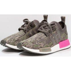 Adidas Originals NMD_R1 PK Tenisówki i Trampki utility grey/shock pink. Trampki męskie adidas Originals, z materiału. W wyprzedaży za 599.20 zł.