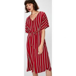 Answear - Sukienka Falling In Autumn. Szare sukienki damskie ANSWEAR, z tkaniny, casualowe, z krótkim rękawem. W wyprzedaży za 119.90 zł.