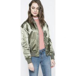 Calvin Klein Jeans - Kurtka Bomber. Szare kurtki damskie Calvin Klein Jeans, z jeansu. W wyprzedaży za 399.90 zł.