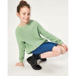 Sweter ze sznurowaniem na plecach - Zielony. Swetry damskie marki bonprix. W wyprzedaży za 29.99 zł.
