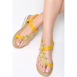 Żółte Sandały Cedar. Żółte sandały damskie Born2be, z materiału. Za 59.99 zł.
