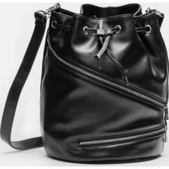 Czarna torebka damska. Czarne torby na ramię damskie Kazar. Za 799.00 zł.