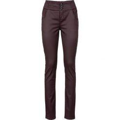 Spodnie ze stretchem, z połyskującą powłoką bonprix bordowy. Spodnie materiałowe damskie marki DOMYOS. Za 129.99 zł.