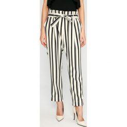 Answear - Spodnie. Szare spodnie materiałowe damskie ANSWEAR, z elastanu. W wyprzedaży za 79.90 zł.