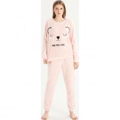 Pluszowa piżama z misiem - Różowy. Czerwone piżamy damskie Sinsay. Za 79.99 zł.