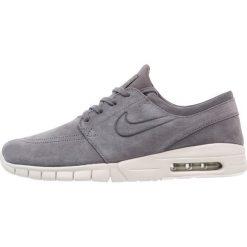 Nike SB STEFAN JANOSKI MAX Tenisówki i Trampki dark grey/light bone/summit white/anthracite. Trampki męskie Nike SB, z materiału. W wyprzedaży za 426.75 zł.