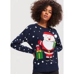 Sweter ze świątecznym motywem - Granatowy. Niebieskie swetry damskie Reserved. Za 89.99 zł.