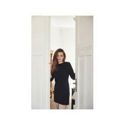 CARBON Sukienka. Czarne sukienki damskie Gau great as you, z bawełny, klasyczne, z klasycznym kołnierzykiem. Za 229.00 zł.