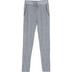 Szare Spodnie Dresowe Tranquility. Szare spodnie dresowe damskie Born2be, z dresówki. Za 24.99 zł.