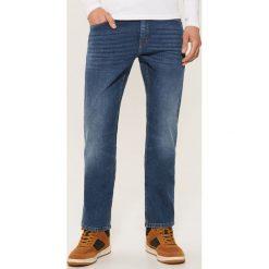 Jeansy regular classic - Niebieski. Niebieskie jeansy męskie House. Za 129.99 zł.