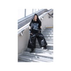 Spodnie KIOTO z ciemno-szarym nadrukiem. Czarne spodnie materiałowe damskie Pikiel, z nadrukiem, z bawełny. Za 370.00 zł.