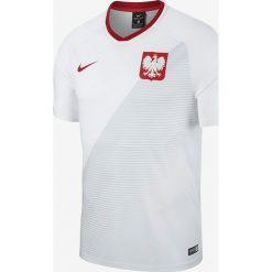 Nike Koszulka piłkarska Reprezentacji Polski FTBL Top SS Home  biała r. S (893891 100). Koszulki sportowe męskie marki bonprix. Za 174.50 zł.