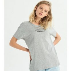 T-shirt z zabawnym hasłem - Jasny szar. T-shirty damskie marki DOMYOS. W wyprzedaży za 9.99 zł.